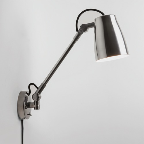 Grande Wall Light