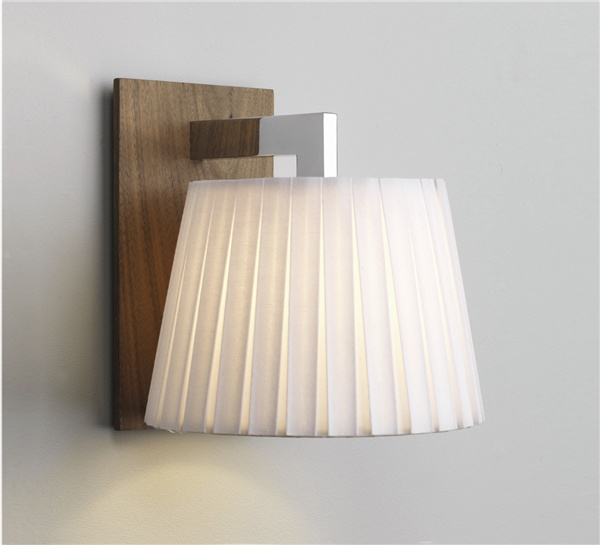 Nola Nola walnu Modern wall light complete with shade