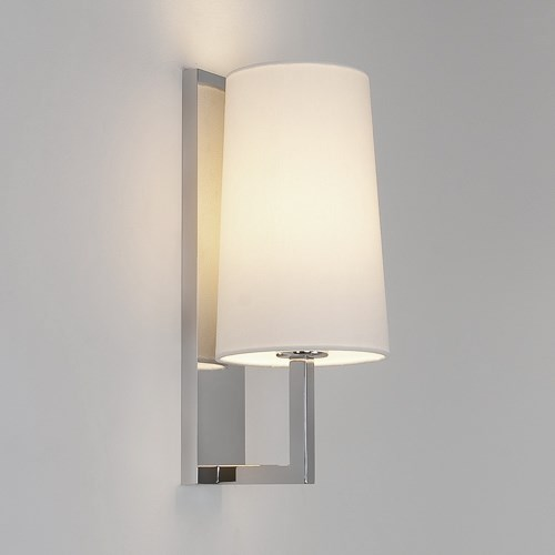 Fussa  350 with wall light